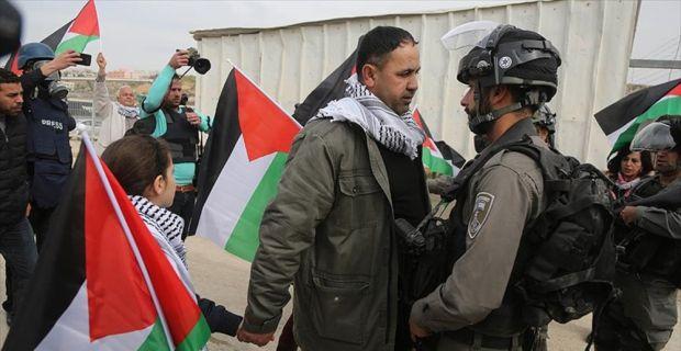 'Filistinli cesur kız' Temimi'ye destek gösterisine müdahale