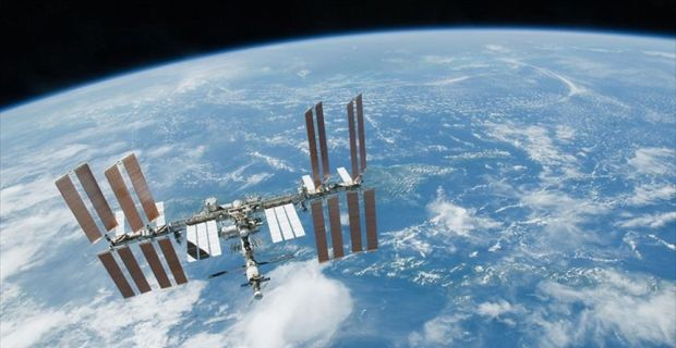 Japon astronot boy ölçümündeki hatadan dolayı özür diledi