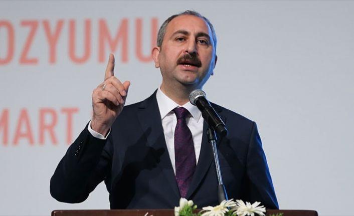 Adalet Bakanı Gül: İstismar çok boyutlu bir sorundur, çözümü de çok boyutlu olmak zorundadır