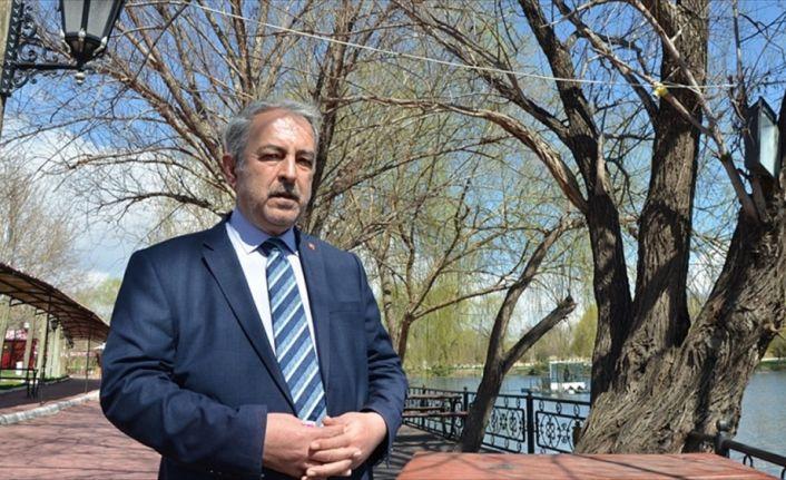 'Binlerce Mehmetçik şiirinden benimkinin seçilmesi gurur vesilesi'