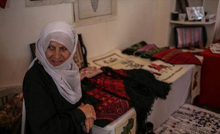 Gazze'de Toprak Günü münasebetiyle sergi açıldı