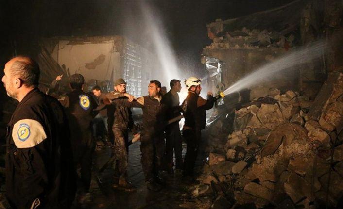 İdlib'de pazar yerine hava saldırısı: 28 ölü