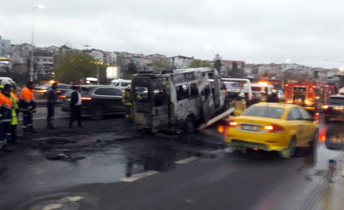 İstanbul'da sürücünün dikkati faciayı önledi