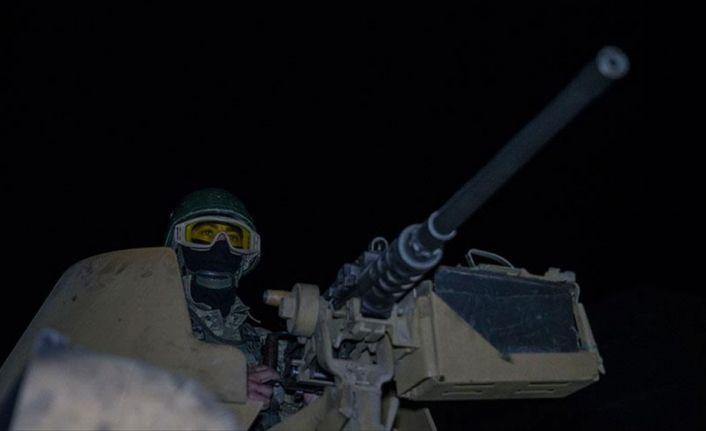 Mehmetçik Afrin'de gece devriyesinde