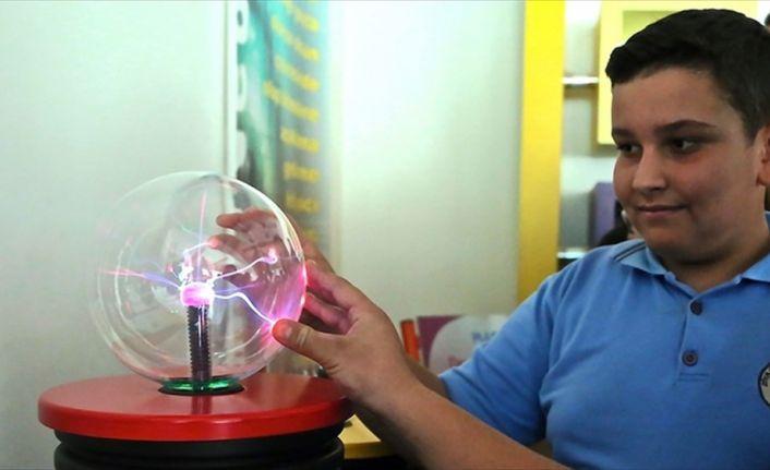 TÜBİTAK Başkanı Mandal: Çocuklara bilim fuarlarla sevdiriliyor