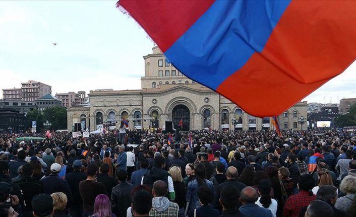 Ermenistan'da protestolar duruyor