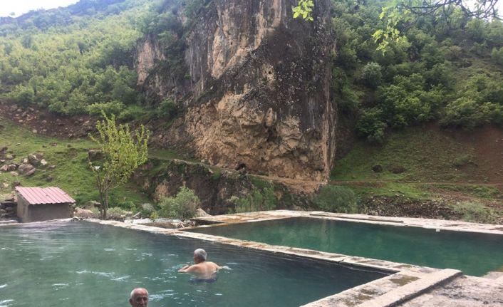Kato Dağı manzaralı kaplıca keyfi