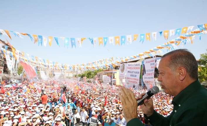 Erdoğan'dan 'millet kıraathaneleri' eleştirilerine yanıt