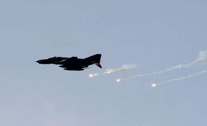 Esed rejiminden hava saldırısı: 11 ölü