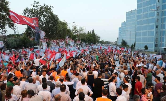 Kılıçdaroğlu Adana'da vatandaşlarla iftar yaptı