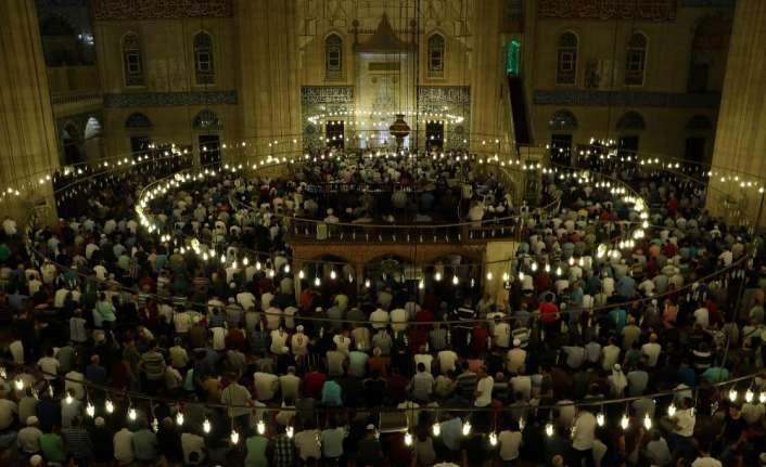 Selimiye Camii Kadir Gecesi doldu taştı