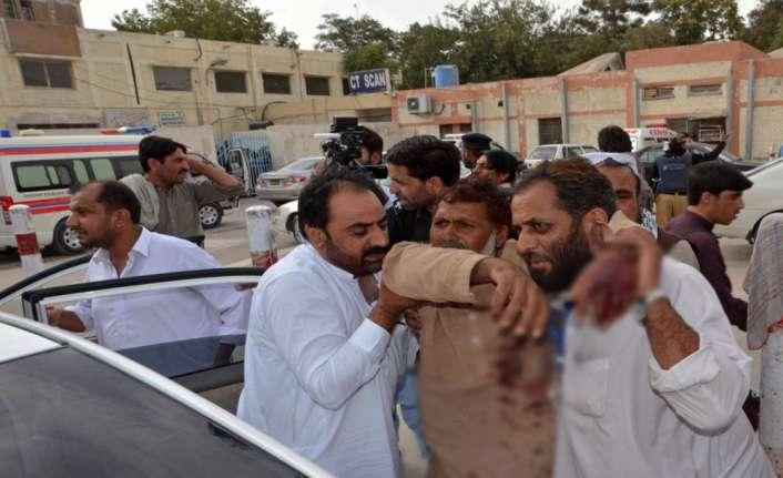 Pakistan'da seçim mitinglerine saldırı: En az 80 ölü