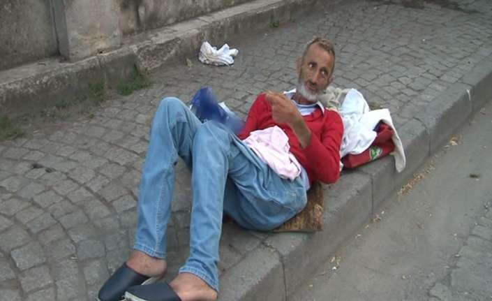 Zabıta sokağa bıraktı, yardımına 112 yetişti
