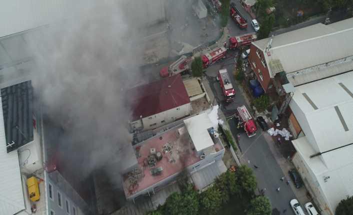 Avcılar'da tekstil fabrikasında çıkan yangın korkuttu