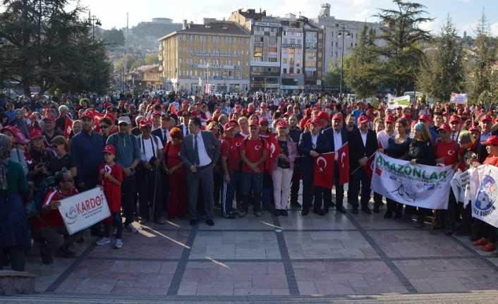 """105 kilometrelik """"Atatürk ve İstiklal Yolu Yürüyüşü"""" sona erdi"""