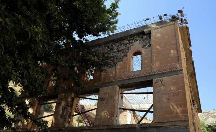 Lice Ulu Cami'nin restorasyonu devam ediyor