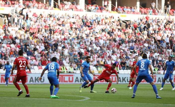 Sivas'ta 4 gol var, kazanan yok