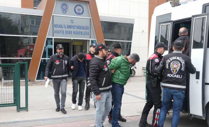 """""""Pert Oto"""" operasyonunda 5 tutuklama"""