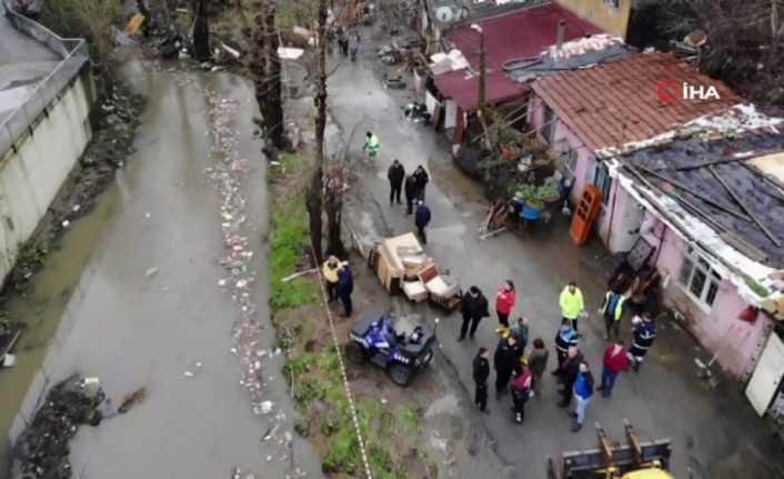Sarıyer'de evler sel sonrası harabeye döndü