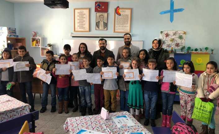 Erzincan Barosu minik öğrencilerin karne sevincine ortak oldu