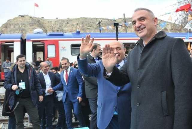 """Bakan Ersoy: """"Erzincan'ı Turizm Kenti Yapmak İçin Atağa Geçeceğiz"""""""