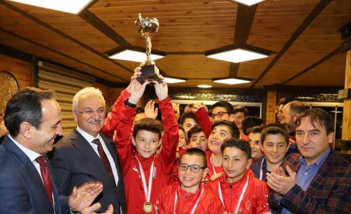 Belediyespor Şampiyonluğu kutladı