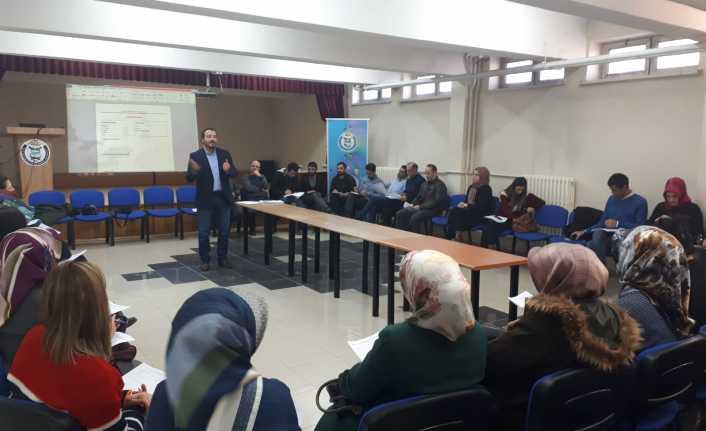 Rehber Öğretmenlerine Kariyer Danışmanlığı Eğitimi