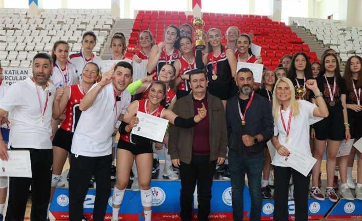 Voleybol'da Türkiye şampiyonları belli oldu