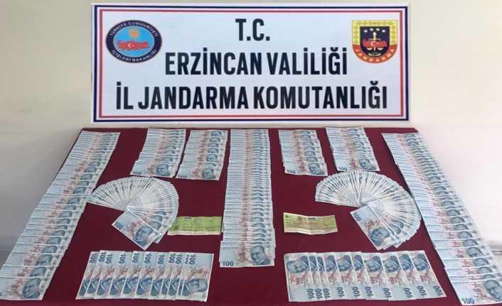 Sahte paraları Kemaliye'ye getirirken yakalandılar