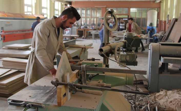 Burası Fabrika Değil Okul
