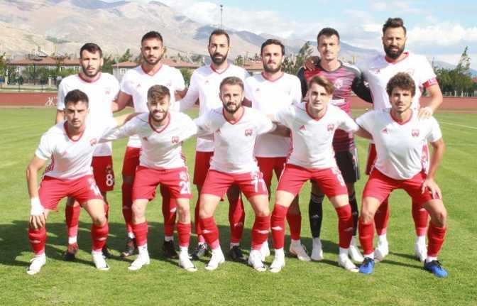 Erzincanspor ilk 3 puanını 3 golle aldı