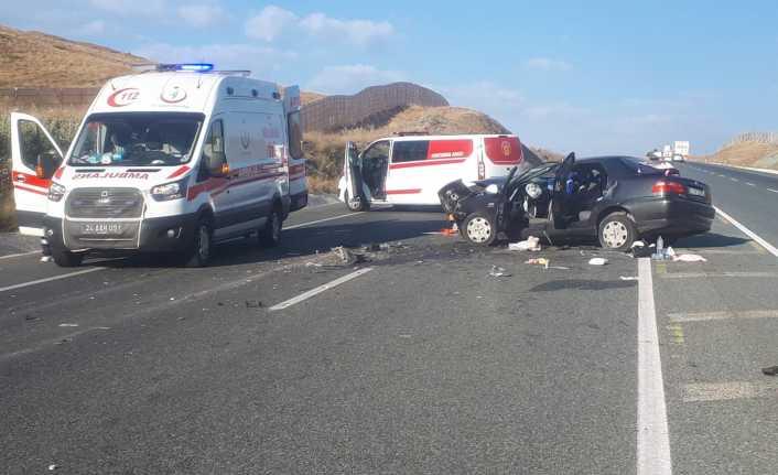 Sakaltutan'da  trafik kazası: 2 ölü, 4 yaralı