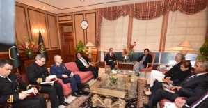 Milli Savunma Bakanı Akar, Pakistan Başbakanı Khan ile görüştü