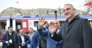 """Bakan Ersoy: Erzincanı Turizm Kenti Yapmak İçin Atağa Geçeceğiz"""""""