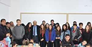 Günebakan İlkokulu'nun sınıf panoları yenilendi