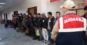 Erzincan'da 215 yabancı uyruklu şahıs yakalandı