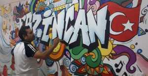 Grafiti Sanatını Okul Koridoruna Uyguladı