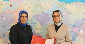 AK Parti Erzincan Kadın Kolları Başkanlığına Rahşan Külünk Atandı