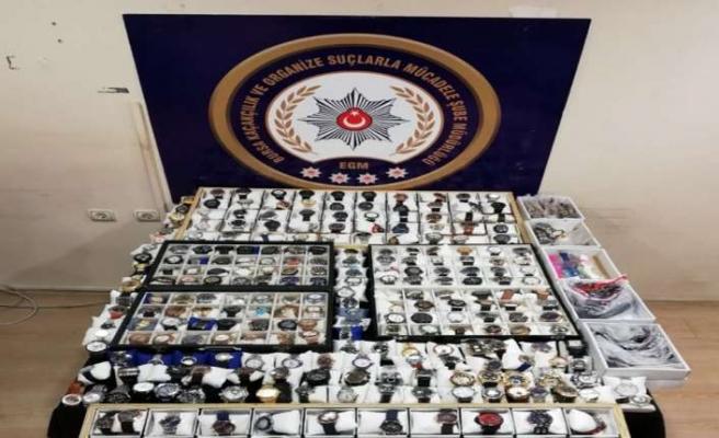 Polis 150 bin TL değerinde kaçak saate el koydu