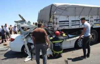 Otomobil tıra ok gibi saplandı: 2 ölü, 2 ağır...