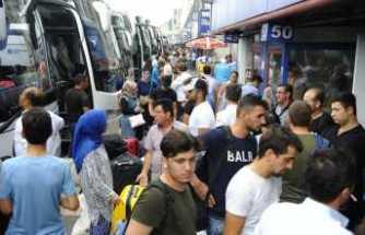 İstanbul Otogarı'nda bayram yoğunluğu