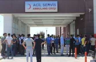 Vatandaşlar yaralı askerlere kan vermek için hastaneye akın etti