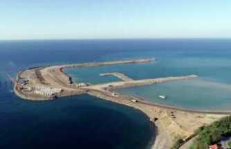 İnşaatında 30 milyon tonluk deniz dolgusu yapıldı