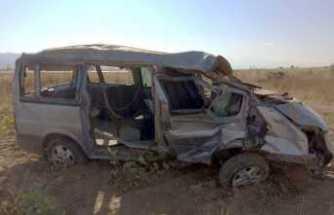 Minibüs şarampole uçtu: 2 ölü