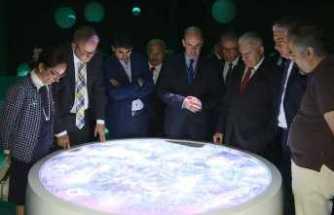 Binali Yıldırım CERN'i ziyaret etti