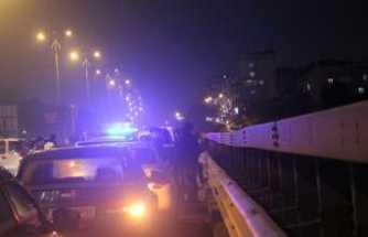 Viyadükte intihar girişimi trafiği felç etti