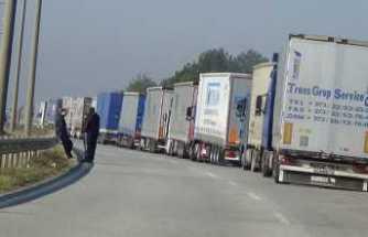 Kapıkule'de ihracat yoğunluğu