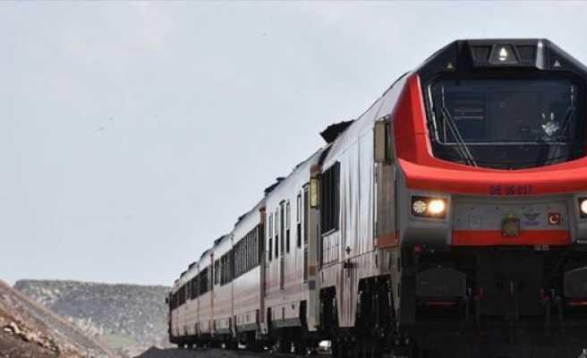 'Bakü-Tiflis-Kars demiryolu Azerbaycan'ı ulaştırma merkezine dönüştürecek'