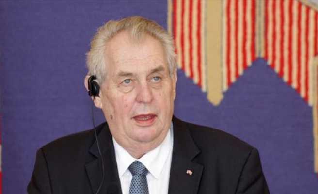 Çekya'da cumhurbaşkanlığı seçimini Zeman kazandı