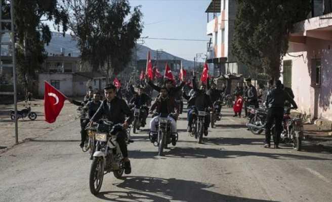 Reyhanlı'da yüzlerce araçlık destek konvoyu